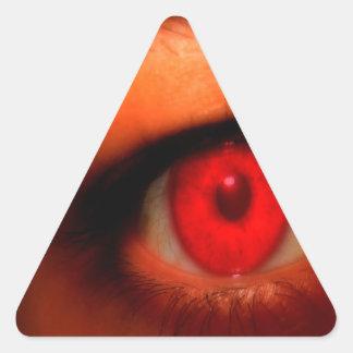 Ojo oscuro abstracto del vampiro pegatina triangular