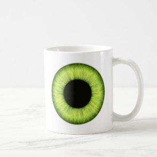 Ojo verde espeluznante de Halloween Taza Clásica