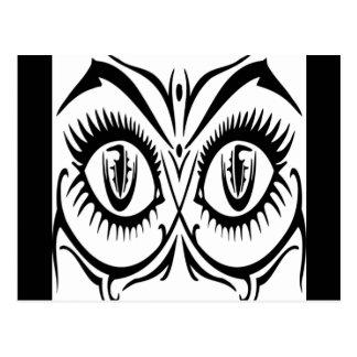 Ojos atractivos de la hembra postales