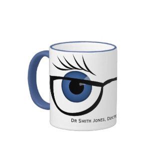 Ojos azules y vidrios tazas de café