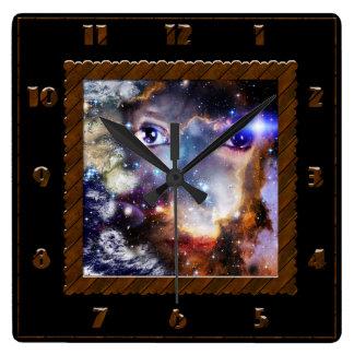 Ojos de la galaxia reloj cuadrado