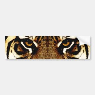 Ojos de un tigre etiqueta de parachoque