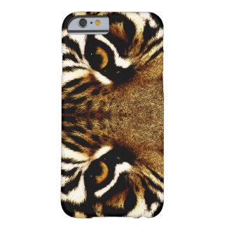 Ojos de un tigre funda para iPhone 6 barely there