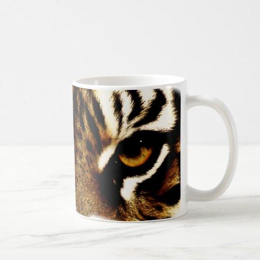 Ojos de un tigre taza básica blanca