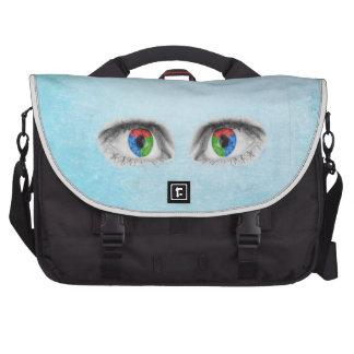Ojos del extracto bolsa para ordenador