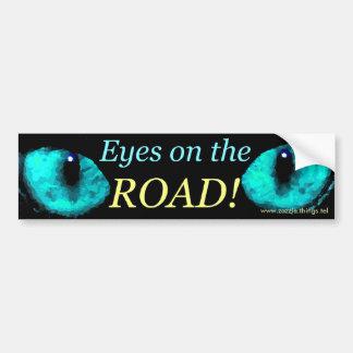 ¡Ojos en el azul del camino! Etiqueta De Parachoque