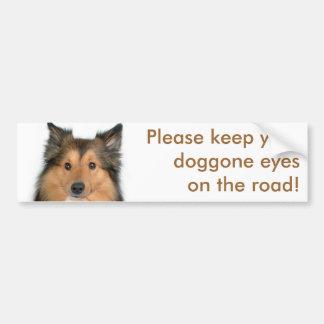 Ojos en el perro del camino pegatina para auto