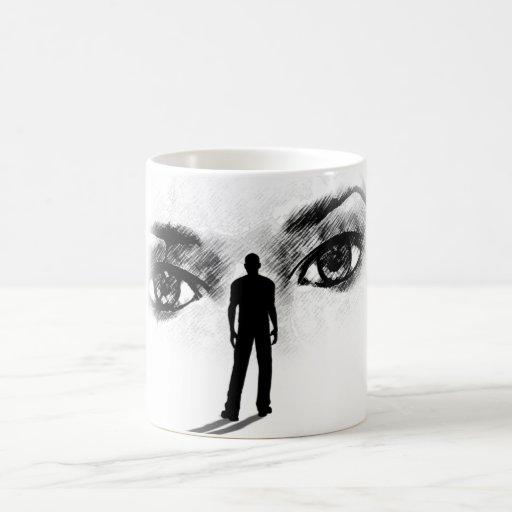 Ojos ocultados de la taza de la diosa