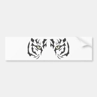 Ojos salvajes del tigre etiqueta de parachoque