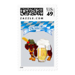 Oktoberfest con Daschund y la cerveza Stein