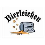 Oktoberfest divertido Bierleichen Postal