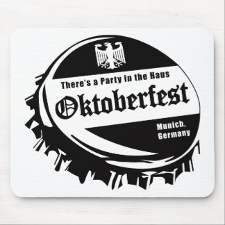 Oktoberfest Party in the Haus Mouse Pad