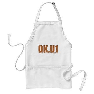 OKU1 en Brown Delantal