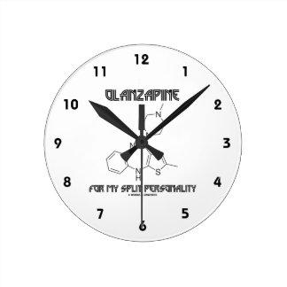Olanzapine para mi doble personalidad (química) reloj redondo mediano