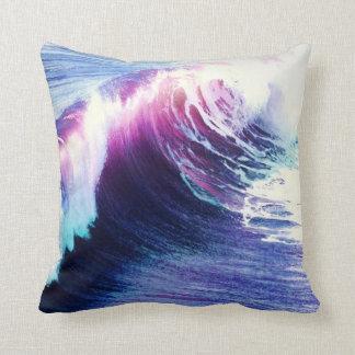 Olas oceánicas coloridas almohada
