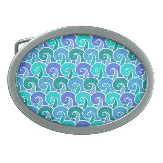 Olas oceánicas del agua en modelo náutico azul de hebillas de cinturon ovales