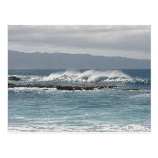 Olas oceánicas del norte de la orilla postal