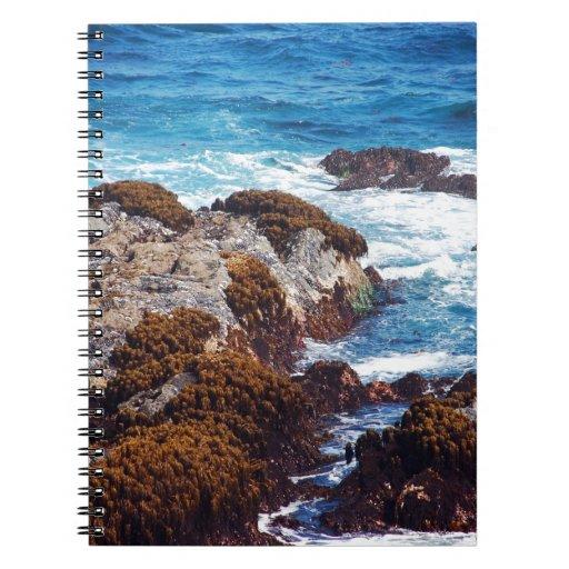 Olas oceánicas en costa libretas espirales