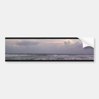 Olas oceánicas etiqueta de parachoque