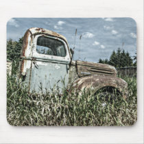 Old Beater Truck - Rusty Vintage Farm Vehicle Mouse Pad