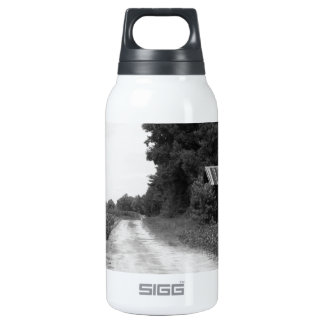 Old Building Barn in North Carolina Insulated Water Bottle