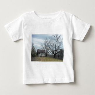 Old country home t-shirt
