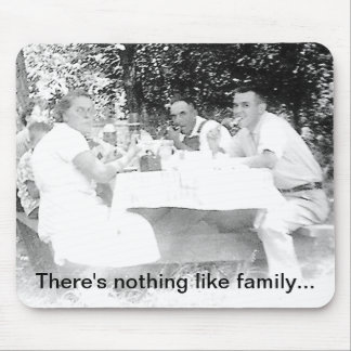 Old Family Picnic Mouse Pad