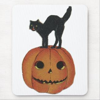 Old Fashioned Halloween Jack-O-Lantern & Black Cat Mouse Pad