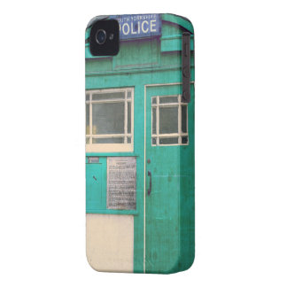 old-fashioned police phone box Case-Mate iPhone 4 cases