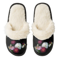 Old Fashioned Roses Pair of Fuzzy Slippers