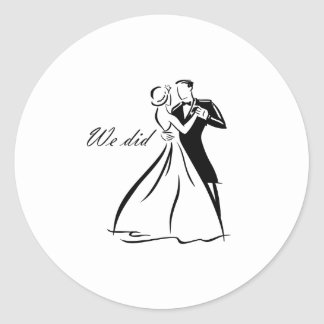 Old Fashioned Wedding Couple dancing Classic Round Sticker