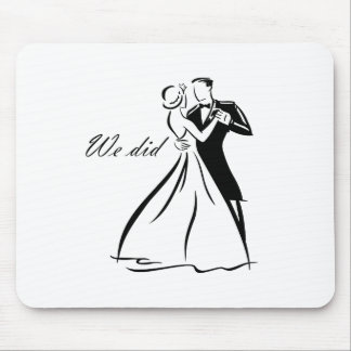 Old Fashioned Wedding Couple dancing Mouse Pad