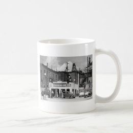 Old Gas Station, 1930s Coffee Mug