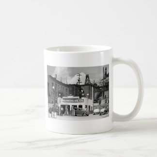 Old Gas Station, 1930s Coffee Mug