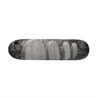 old headstones skate deck