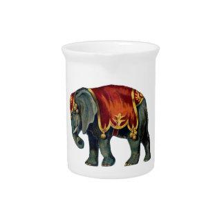 Old iIustração of circus elephant Drink Pitcher