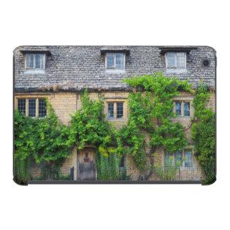 Old Inn along High Street iPad Mini Retina Cover