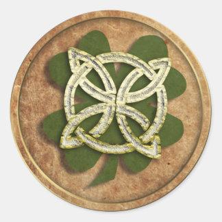 old kelt clover classic round sticker