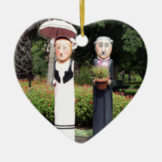 Old married couple sculptures ceramic ornament