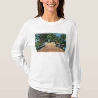 Old North Bridge View of Minute Man Statue T-Shirt