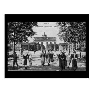 Old Postcard, Berlin, Unter den Linden Postcard