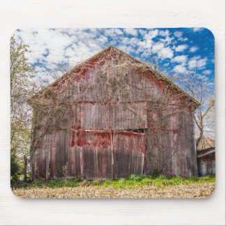 Old Red Barn With Ivy Mousepad