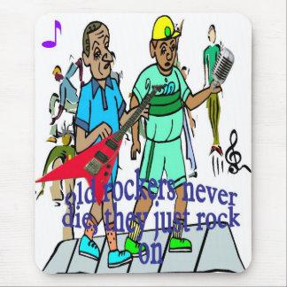 Old rockers never die mousepad