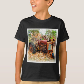 Old Rustic Farm Tractor in Junk Yard T-Shirt