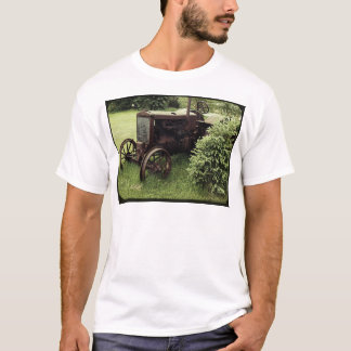Old Rusty Tractor T-Shirt