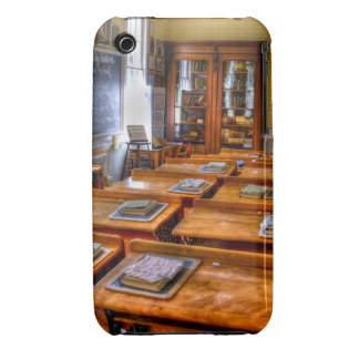 Old School Case-Mate iPhone 3 Cases