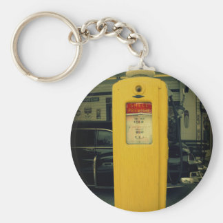 Old Shell Pump Keychain