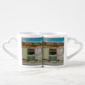 Old train coffee mug set