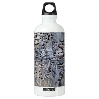 Old tree with holes SIGG traveler 0.6L water bottle