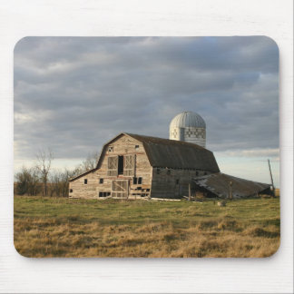 Old wooden crumbling barn mouse pad